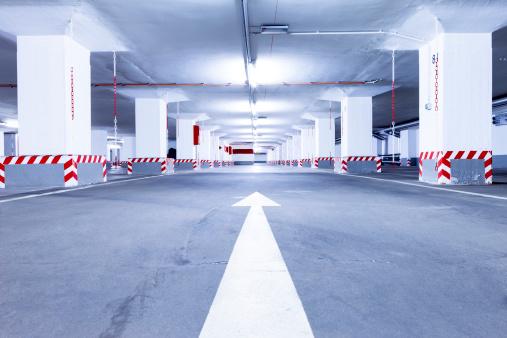 Parking Lot「Empty red parking garage」:スマホ壁紙(7)
