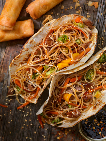 Fusion Food「Asian/Mexican Fusion - Teriyaki Beef and Noodle Tacos」:スマホ壁紙(5)