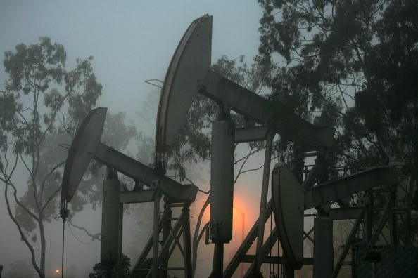 Price「Oil Prices Hit Historic High On Weak Dollar」:写真・画像(9)[壁紙.com]