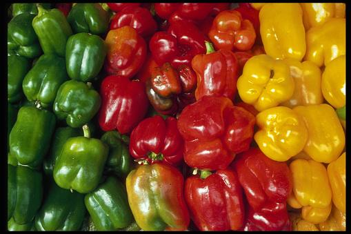 Bell Pepper「Bell Peppers for Sale at Market」:スマホ壁紙(5)