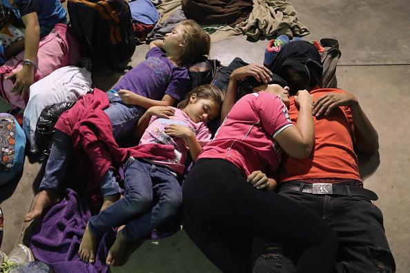 Honduras「Migrant Caravan Pushes North Into Guatemala」:写真・画像(17)[壁紙.com]
