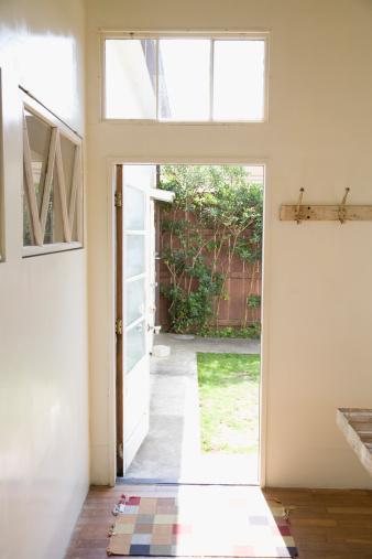 Japan「Door to Courtyard」:スマホ壁紙(17)
