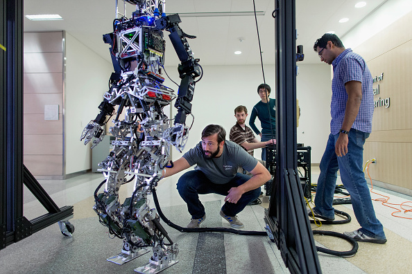 Technology「Researchers And Virginia Tech Students Prepare For DARPA Robotics Challenge」:写真・画像(10)[壁紙.com]