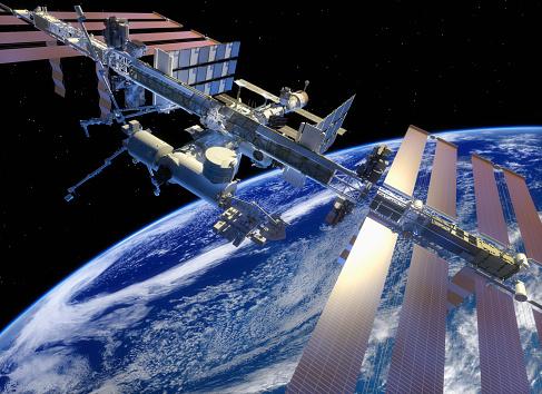 Space shuttle「ISS in earth orbit, closer view」:スマホ壁紙(0)