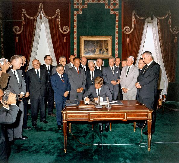 Advice「Atom Test Ban Treaty」:写真・画像(19)[壁紙.com]