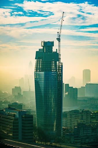 Crane - Construction Machinery「One Blackfriars skyscraper in London」:スマホ壁紙(8)