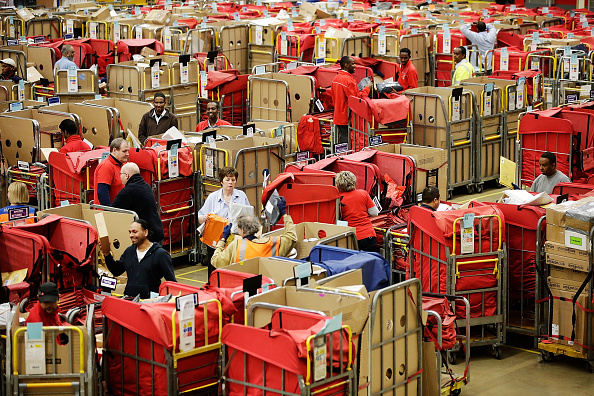 Northamptonshire「Royal Mail Processes Final Mail For Christmas Deadlines」:写真・画像(0)[壁紙.com]