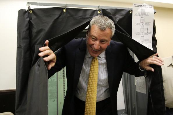 Politician「Frontrunner Bill de Blasio Casts Vote In NYC Mayoral Primary」:写真・画像(12)[壁紙.com]