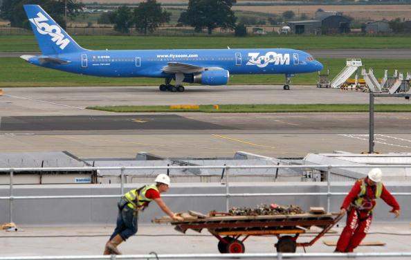 Finance「Zoom Airline Suspends All Flights」:写真・画像(4)[壁紙.com]