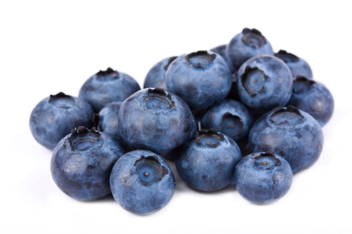 Blueberry「Pile of fresh blueberries on white」:スマホ壁紙(18)