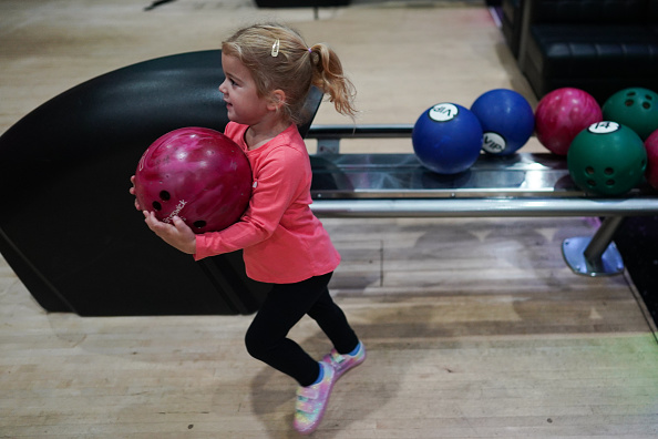 Threading「Brits Return To The Lanes As Bowling Alleys Reopen」:写真・画像(16)[壁紙.com]