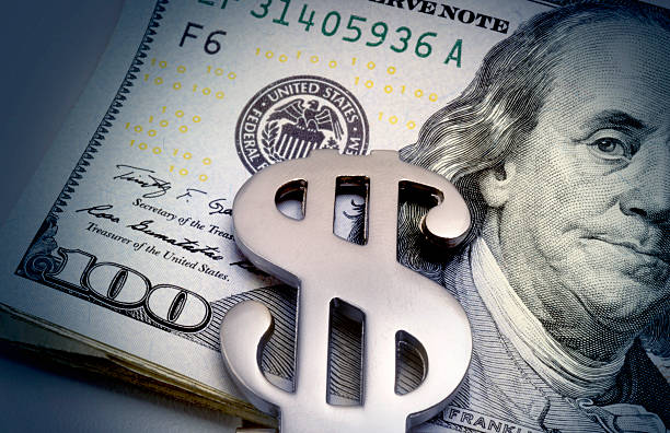 Money clip on bills:スマホ壁紙(壁紙.com)