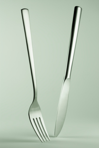 Fork「Knife and fork standing on tips, close-up」:スマホ壁紙(4)