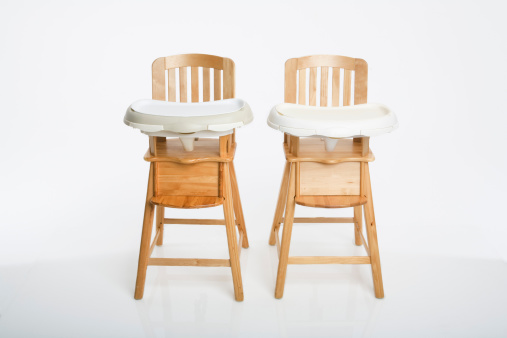 Two Objects「Two high chairs」:スマホ壁紙(1)