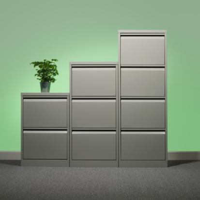 Green Background「Pot plant on office cupboard」:スマホ壁紙(15)