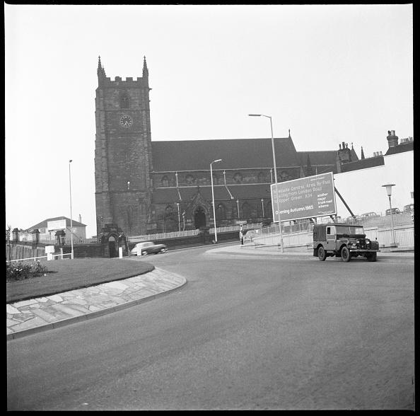 Giles「Church Street」:写真・画像(13)[壁紙.com]