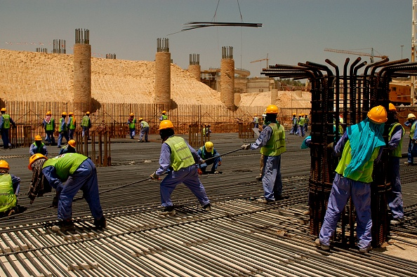 Construction Worker「Steel Fixers, New Air Terminal, Dubai, United Arab Emirates.」:写真・画像(2)[壁紙.com]