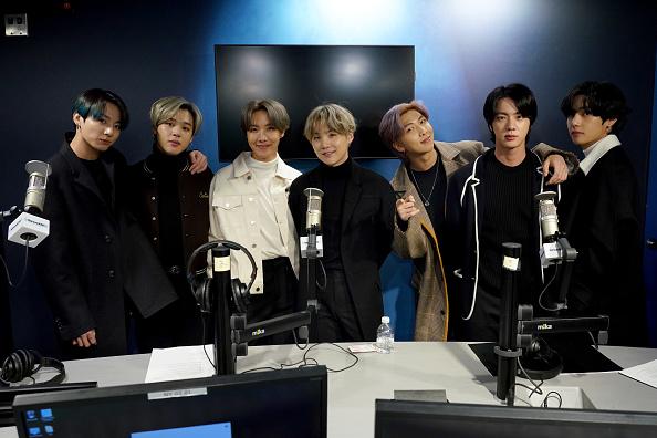 J-Hope「BTS Visits the SiriusXM Studios」:写真・画像(16)[壁紙.com]