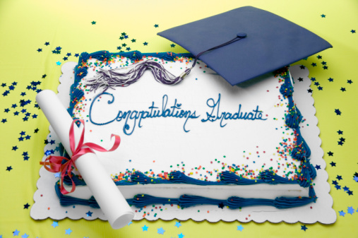 Dessert Topping「Sheet cake with mortarboard, diploma and words Congratulations Graduate」:スマホ壁紙(13)