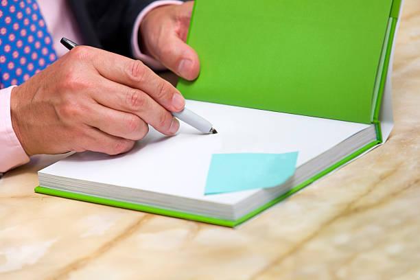book signing author:スマホ壁紙(壁紙.com)