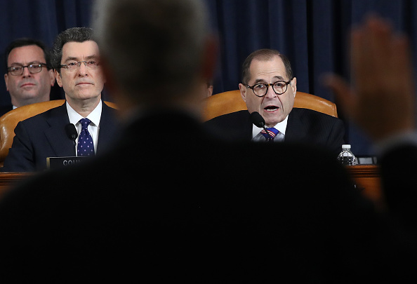 Drew Angerer「House Judiciary Committee Holds First Impeachment Inquiry Hearing」:写真・画像(19)[壁紙.com]