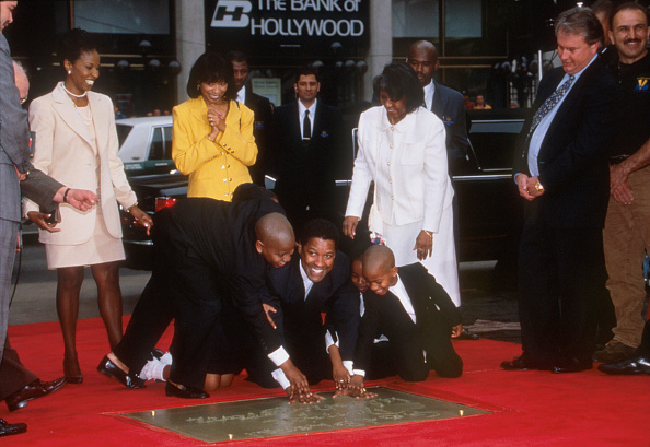 Hand「Denzel Washington At Manns Village Theater」:写真・画像(5)[壁紙.com]