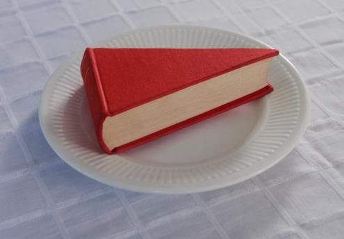 Learning「A book shaped like a slice of cake.」:スマホ壁紙(1)