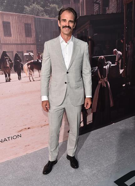 "Alberto E「Premiere Of HBO's ""Westworld"" - Red Carpet」:写真・画像(15)[壁紙.com]"