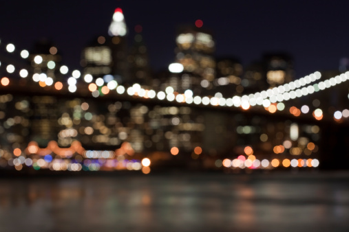 Avenue「defocused abstract manhattan skyline - brooklyn bridge in front」:スマホ壁紙(1)