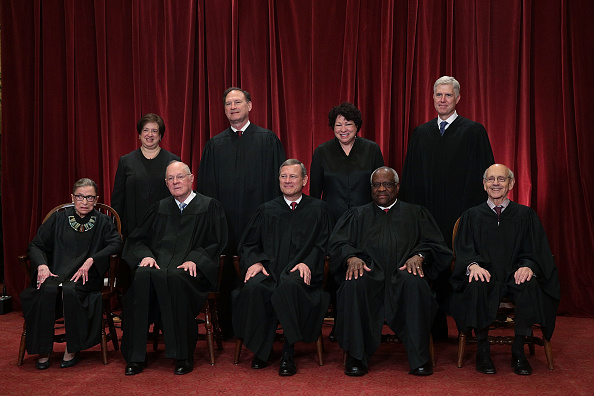 Supreme Court「U.S. Supreme Court Justices Pose For Formal Portrait」:写真・画像(10)[壁紙.com]