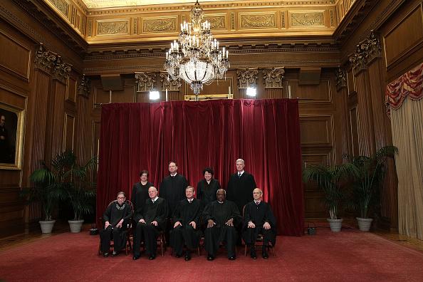 Judge - Law「U.S. Supreme Court Justices Pose For Formal Portrait」:写真・画像(12)[壁紙.com]
