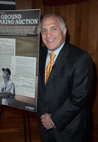 Central Press「Mickey Mantle Signed Contract Auction To Assist Hurricane Sandy New Jersey Relief Fund - Press Conference」:写真・画像(6)[壁紙.com]