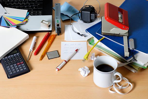 messy desktop:スマホ壁紙(壁紙.com)
