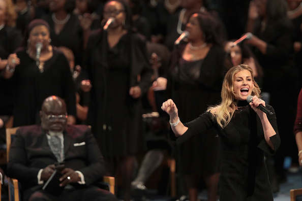 Scott Olson「Soul Music Icon Aretha Franklin Honored During Her Funeral By Musicians And Dignitaries」:写真・画像(0)[壁紙.com]