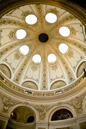 St「Dome in Catholic church in Vienna, Austria」:スマホ壁紙(8)