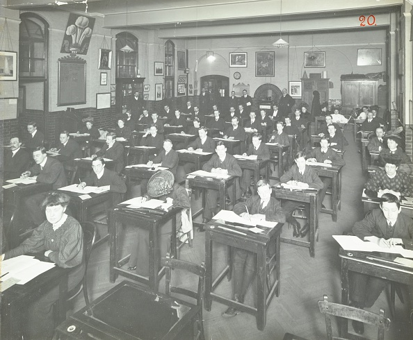 20th Century Style「Examination Class For Male And Female Students, Queen'S Road Evening Institute, London, 1908. Artist: Unknown.」:写真・画像(13)[壁紙.com]