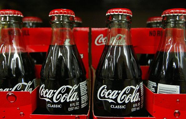 Bottle「SEC Launches Investigation Into Coca-Cola's Earnings History」:写真・画像(4)[壁紙.com]