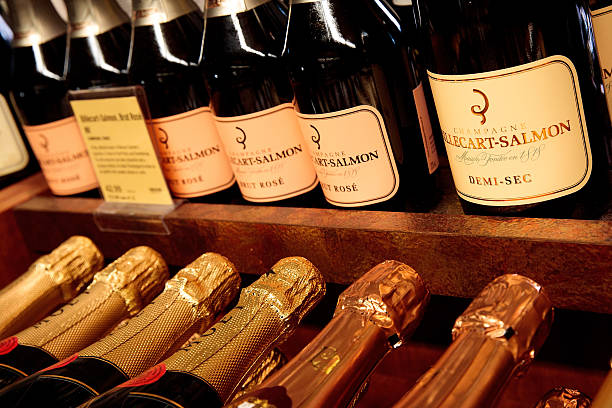 U.S. Fears Bubbly Shortage As French Champagne Production Drops Sharply:ニュース(壁紙.com)