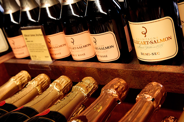 Champagne「U.S. Fears Bubbly Shortage As French Champagne Production Drops Sharply」:写真・画像(15)[壁紙.com]
