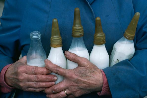 Nipple「Bottles For Lambing」:写真・画像(13)[壁紙.com]