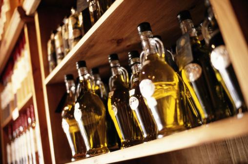 Greek Culture「Bottles of olive oil on shop shelf, close-up」:スマホ壁紙(18)