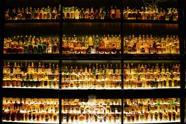 Bottle「George Osborne Freezes Duty On Scotch Whisky In The Budget」:写真・画像(9)[壁紙.com]