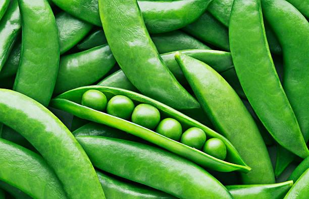 Peas and pea pods:スマホ壁紙(壁紙.com)
