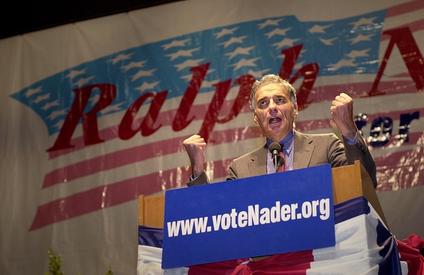 Free Trade Agreement「Nader Campaigns in California in Final Days Before the Presidential Election」:写真・画像(8)[壁紙.com]