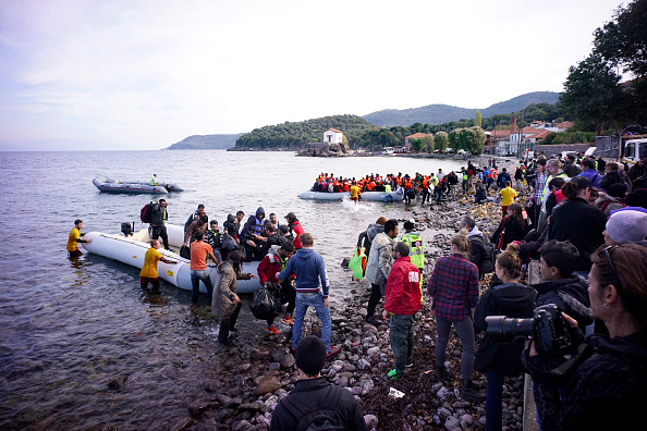 Assistance「Migrants On Greece's Lesbos Island」:写真・画像(9)[壁紙.com]
