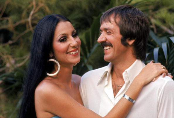 Hoop Earring「The Sonny and Cher Comedy Hour」:写真・画像(3)[壁紙.com]
