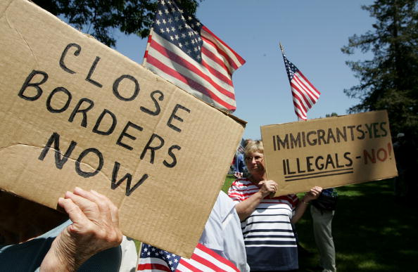 USA「Demonstrators Protest Illegal Immigration On Cinco de Mayo」:写真・画像(8)[壁紙.com]