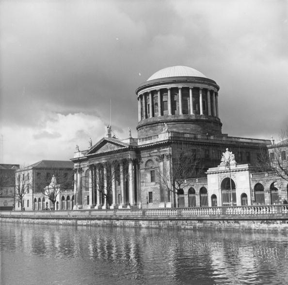 アイルランド リフィー川「The Four Courts」:写真・画像(7)[壁紙.com]