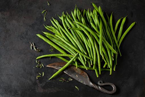 Bush Bean「Needle beans, sayory and an old knife on dark metal」:スマホ壁紙(7)