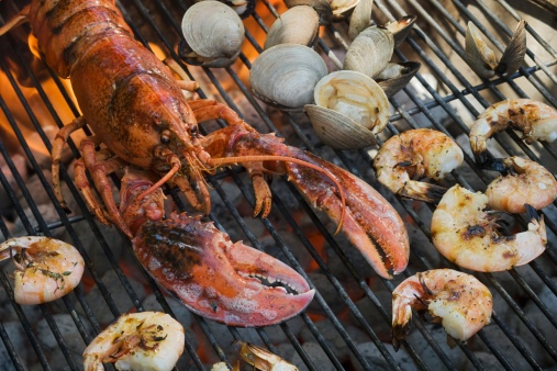 Grilled「Lobster, shrimp and clams cooking on grill」:スマホ壁紙(10)